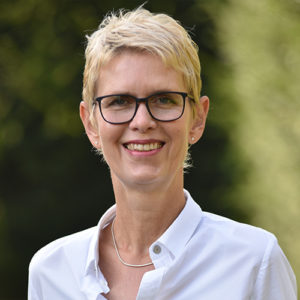 Dr.  Birgit Sommer