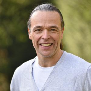 Dr. Holger Staude